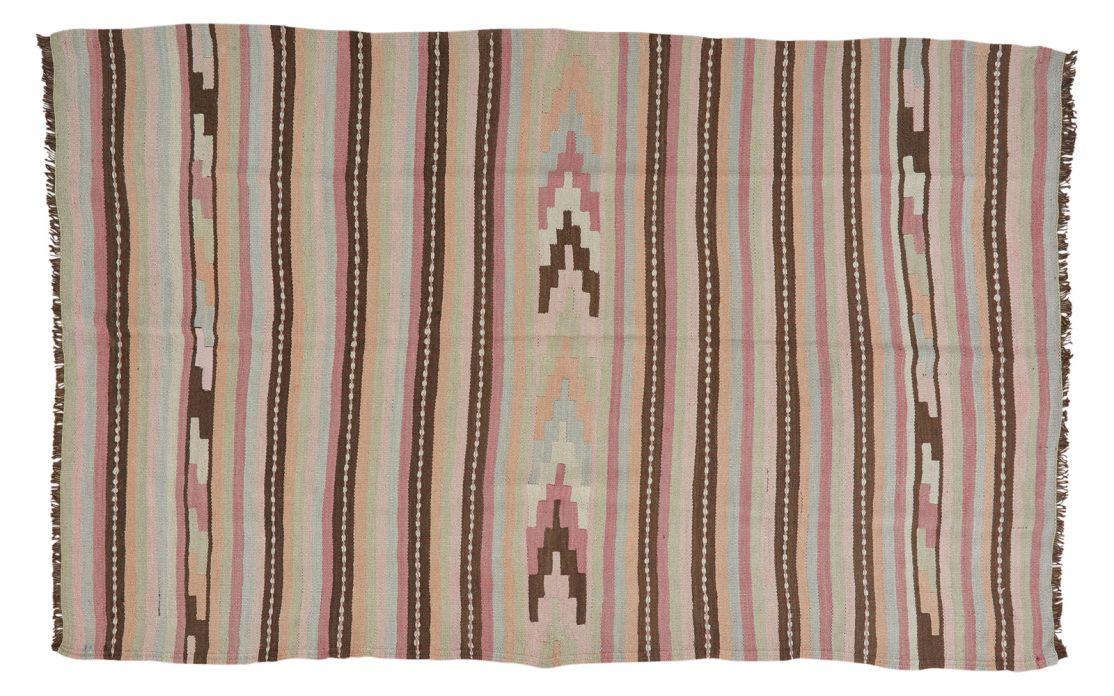 Stor tyrkisk kelim tæppe i pastelfarver med brune striber. Tæpper sælges i København