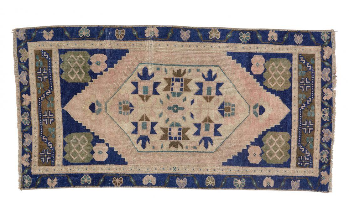 Tyrkisk kelim tæppe måtte i blå og sand farve. Tæpper sælges i København