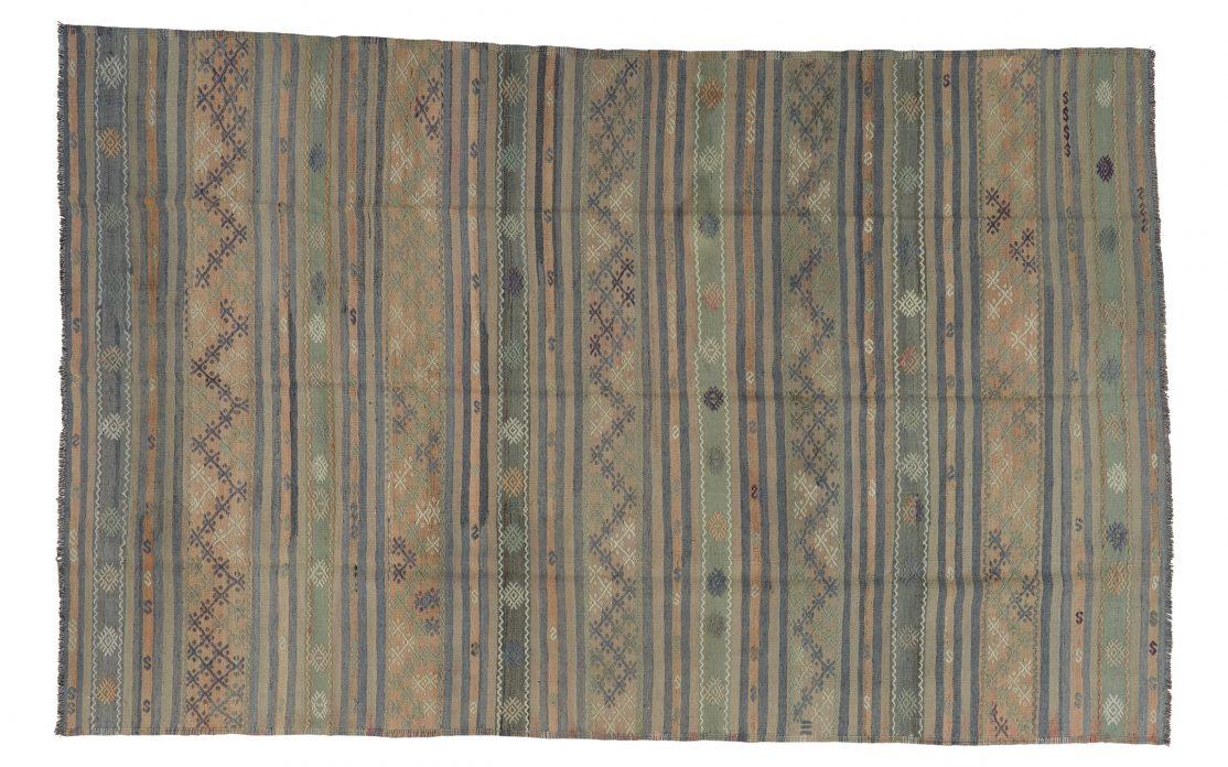 Stribet stor kelim tæppe fra Tyrkiet. Tæpper sælges i København