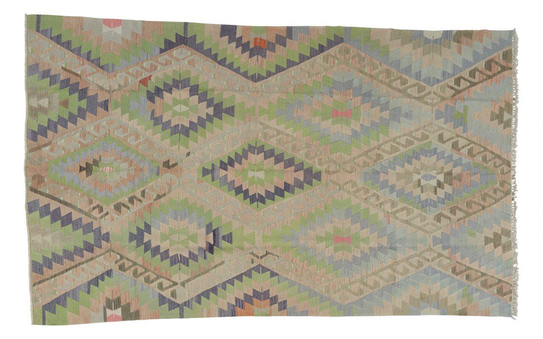 Stor lys kelim tæppe fra Tyrkiet. Tæpper sælges i København