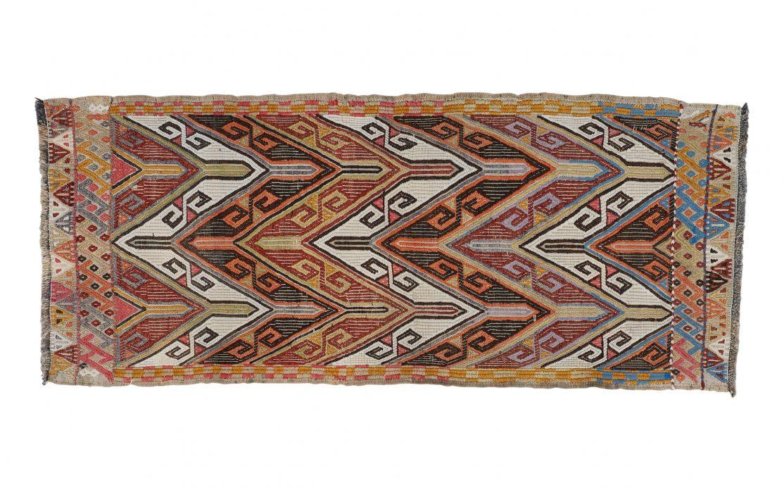 Kelim tæppe fra Tyrkiet i unikt mønster. Tæpper sælges i København